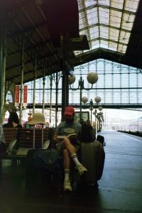 Reading at Gare du Nord