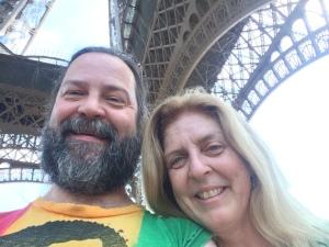 Time for an Eiffel Selfie
